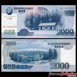 COREE DU NORD - Billet de 2000 Won - Cabane en bois - 100 ans de Kim Il-sung - 2012 PCS16a