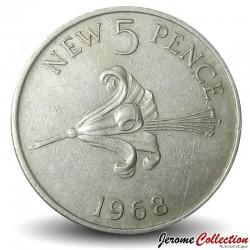 GUERNESEY (île de) - PIECE de 5 Pence - Lis rouge de Guernesey - 1982
