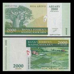 MADAGASCAR - Billet de 2000 Ariary - 2003