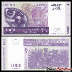 MADAGASCAR - Billet de 1000 Ariary / 5000 Francs - Lémurien Varecia variegata - 2004 P89a